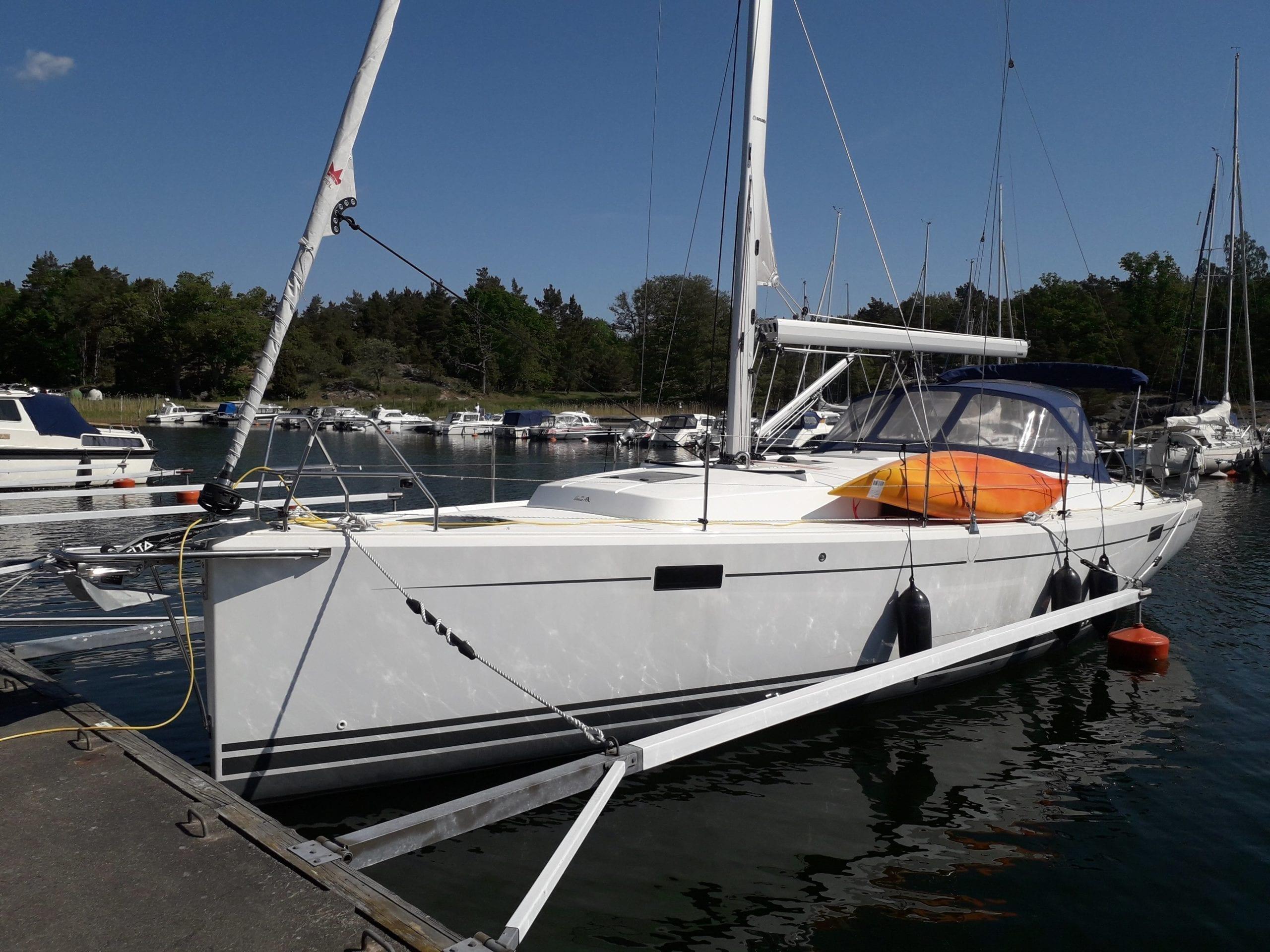 Segelbåt Hanse 385